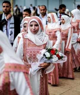 غزة : حفلات زواج مؤجلة في انتظار رفع الحصار وعودة الاسعار الى طبيعتها