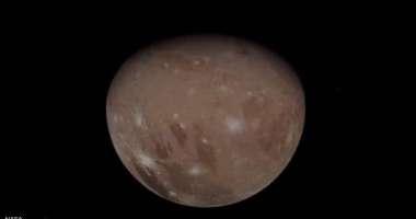 """بالفيديو : """"ناسا"""" تنشر صور لأكبر أقمار المشتري"""