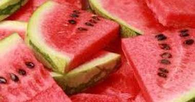 تعرف على الفوائد المذهلة لبذور البطيخ للجسم والشعر والجلد