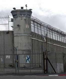 """هيئة الأسرى تكشف الظروف الحياتية والاعتقالية لأسرى معتقل """"عسقلان"""""""