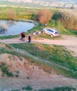 طوباس: المستوطنون يواصلون اعمال البناء في نبع عين الحلوة