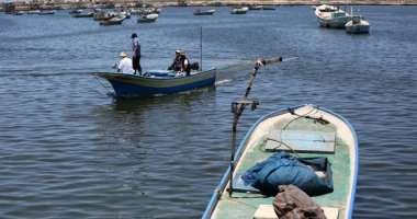 الاحتلال يقلص مساحة الصيد لستة اميال بحرية