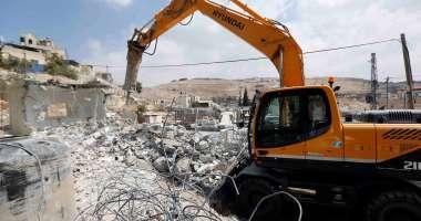 الاحتلال يخطر خمسة مواطنين من واد فوكين بهدم غرفهم الزراعية